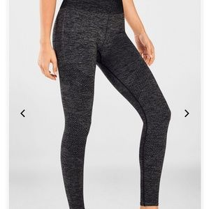 Fabletics Seamless Mid-Rise Leggings